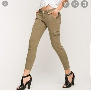 YMI🔮Anklet Cargo Olive Green Ankle Pants size 9